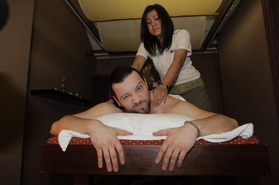 Facebook masáž nahý