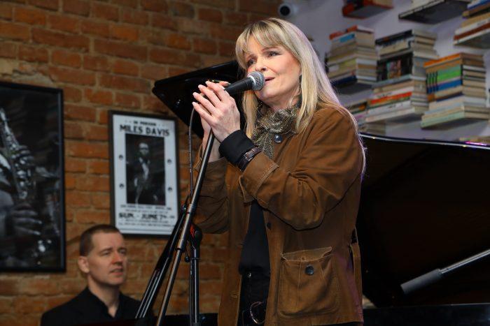 1 Chantal zpívá chansony IMG_3948