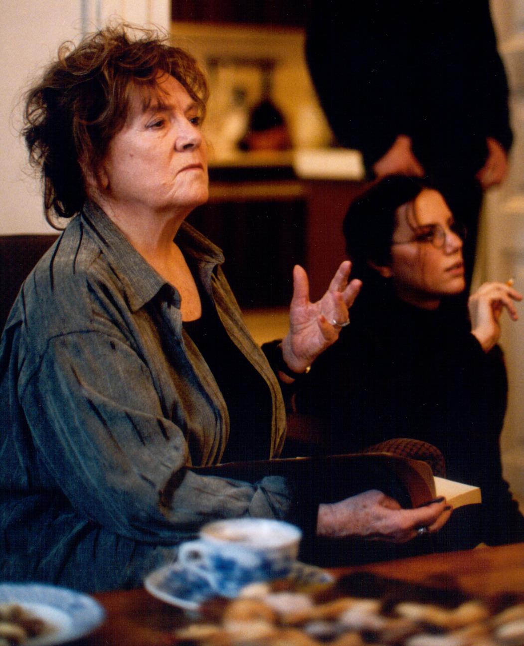 Joan Van Ark born June 16, 1943 (age 75) XXX fotos Jade Ecleo (b. 1970),Rhys Matthew Bond (born 1998)