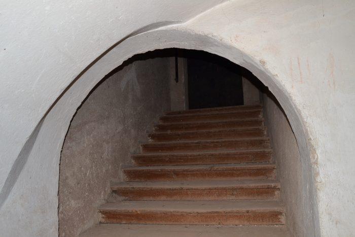 TZ_Děti musí v tajemných sklepech a na půdách žďárského zámku najít ztracenou truhlu, budou -hasit- i požár (1)