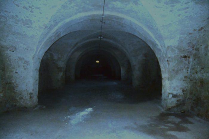 TZ_Děti musí v tajemných sklepech a na půdách žďárského zámku najít ztracenou truhlu, budou -hasit- i požár (4)