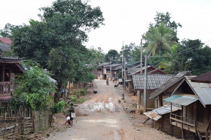 Vesnice v horách Laosu