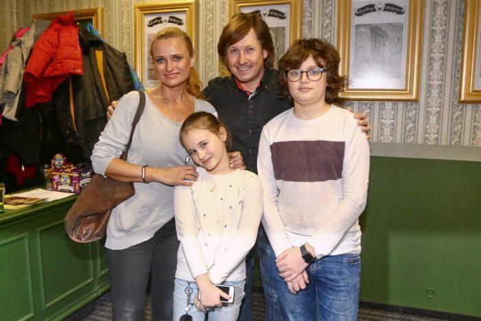 Pavel Kozisek a Jana Adamcova s dcerou Jasminkou a synem Danikem