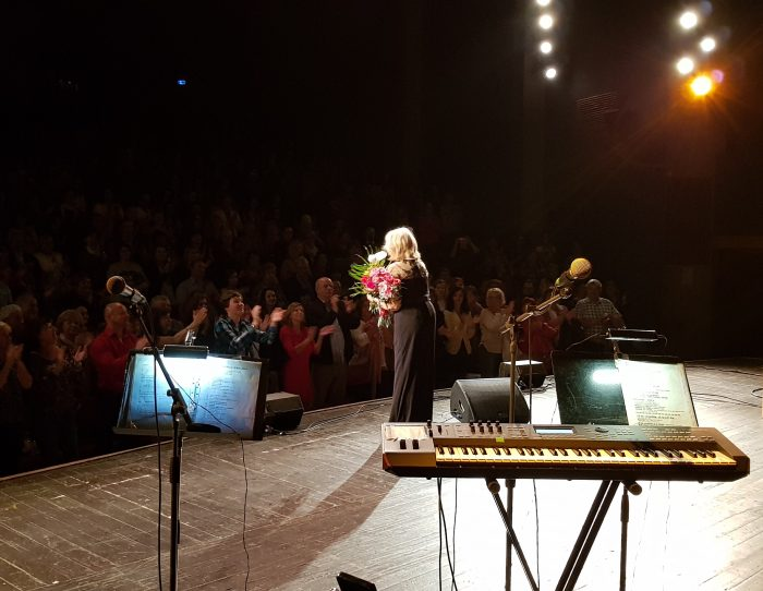 Aplaudujici publikum na koncerte HZ v Martine (15.05.2018) - (photo Renata Vesela)