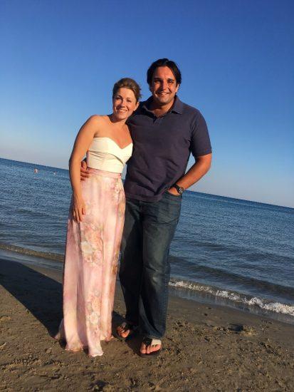 K. Knezikova a A. Plachetka na dovolene v zatoce Laganas na reckem na ostrove Zakynthos (2017)