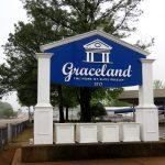 Vítejte v Gracelandu na Elvis Presley Boulevard 3 764 v Memphisu (photo Hana Lysáková)