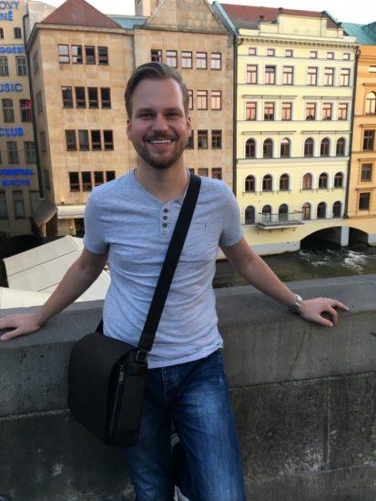 Martin Chodur si behem pracovni navstevy Prahy zasel i na Karluv most 2