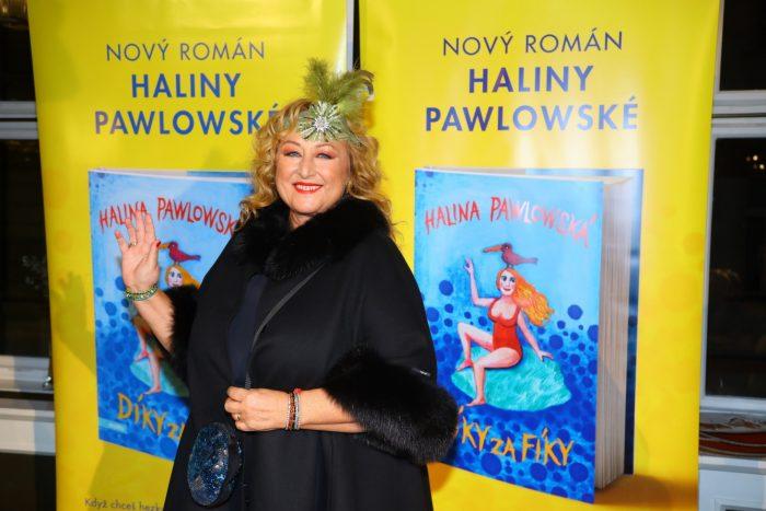 2 autorka 31 knih Halina Pawlowska IMG_4578