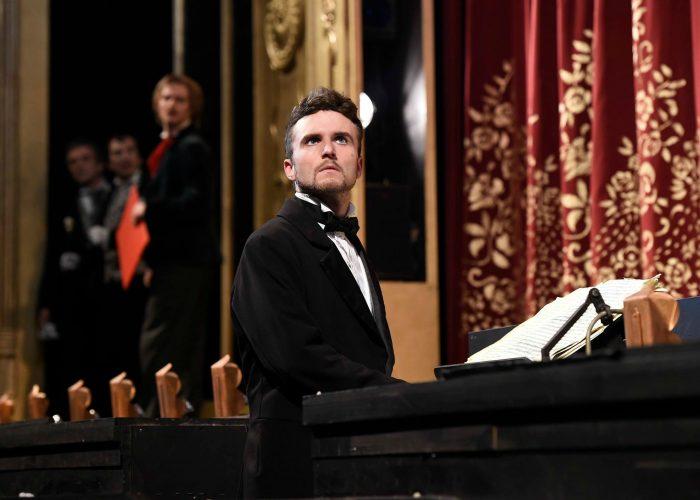 Jakub Hübner v muzikálu Fantom opery (photo Michaela Feuereislová)