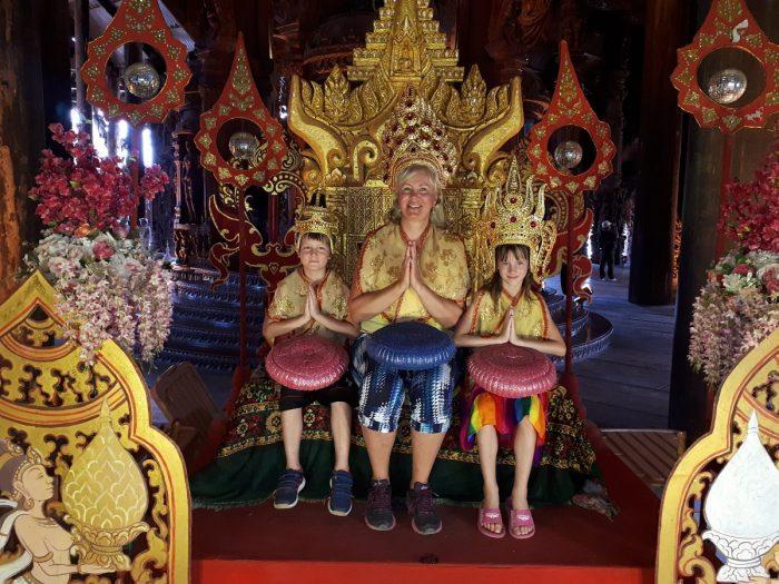 2 Ve Svatyni pravdy ve městě Pattaya