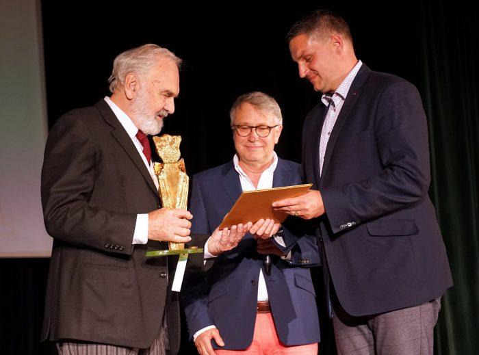 KF Zdenek Sverak prebira cenu Zlaty velbloud (1)
