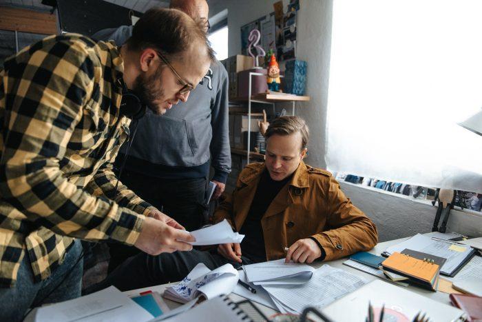 Režisér Vladimír Škultéty a Kryštof Hádek (foto MALL.TV)