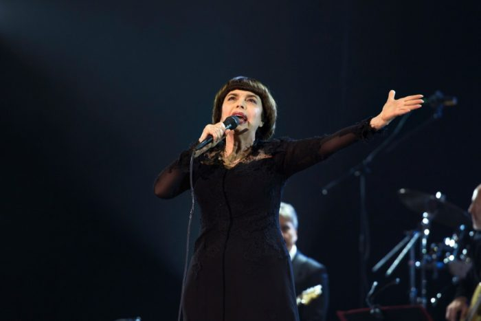 Mireille Mathieu (photo JVS Group) 12