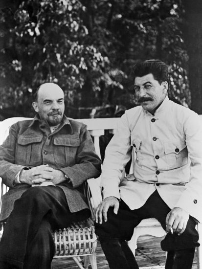 7775 09/02/1922 Vladimir Lenin (left) and Josef Stalin (right) in Gorky. RIA Novosti/RIA Novosti