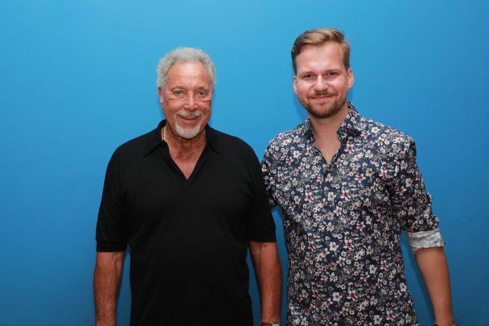 Tom Jones a Martin Chodúr (20.06.2019, Bratislava) - (photo Zuzana Mundy) 2