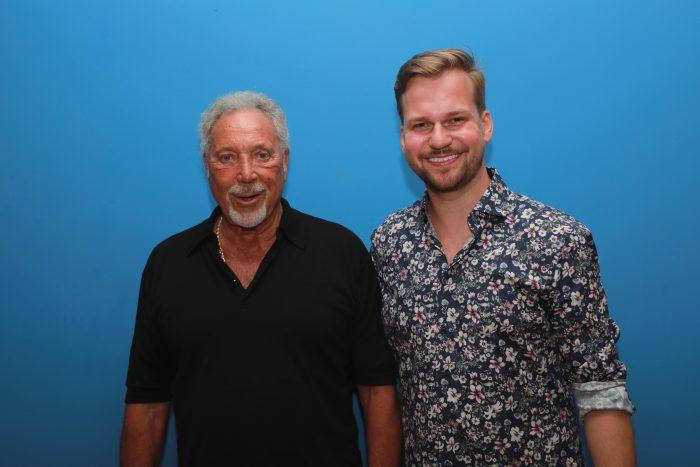 Tom Jones a Martin Chodúr (20.06.2019, Bratislava) - (photo Zuzana Mundy) 3